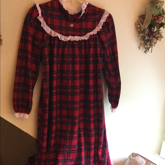 Lanz Other - Lanz Red Plaid Flannel nightgown - Girls dd6c81353